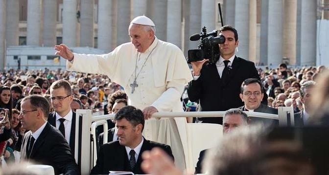 Papa-Francisco-Iglesia-Catolica-Jubileo-Anarquismo-Acracia