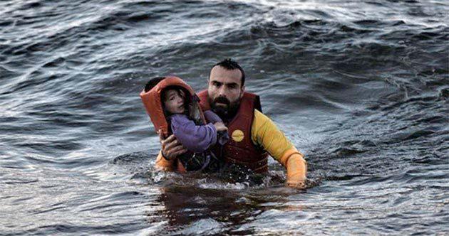 Imagen de refugiados buscando asilo en Europa