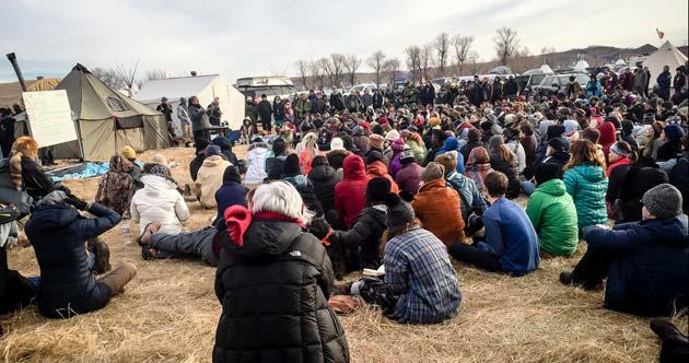 Resistencia indígena, gracias al apoyo mutuo, en Standing Rock (Dakota del Norte)